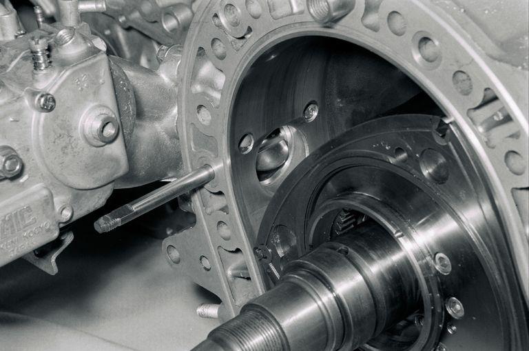 Mazda и роторный двигатель Ванкеля