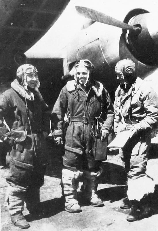 Пикирующий бомбардировщик и разведчик Петляков Пе-2 2М-82