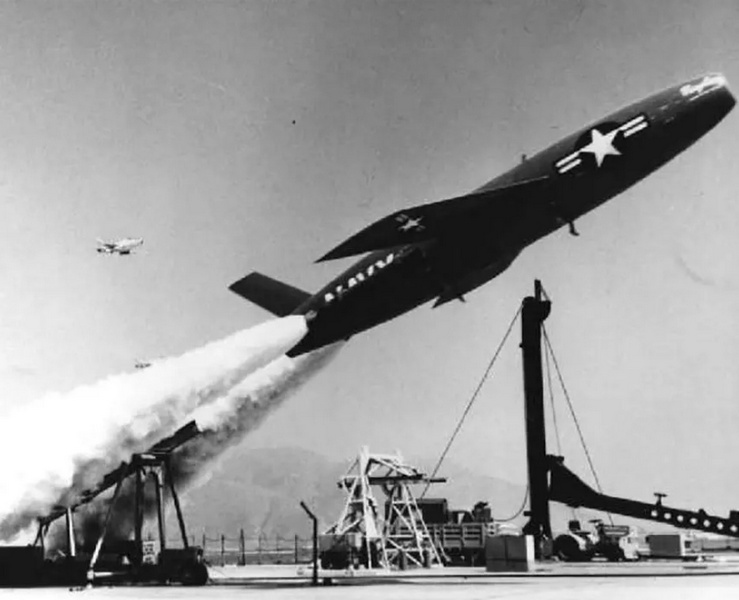 Приключения «головастиков» в Америке. Крылатые ракеты для вооружения подводных лодок. SSM-N-6 Rigel и SSM-N-8 Regulus