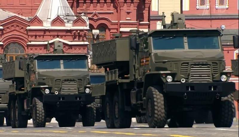 На Параде Победы впервые показали огнемётную систему ТОС-2