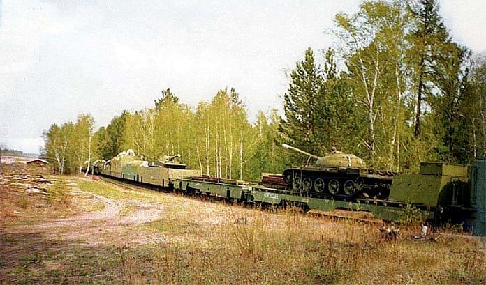 Бронепоезд БП-1 на базе хранения под Читой, 1990-е гг.