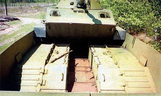 Внутренность платформы танка ПТ-76