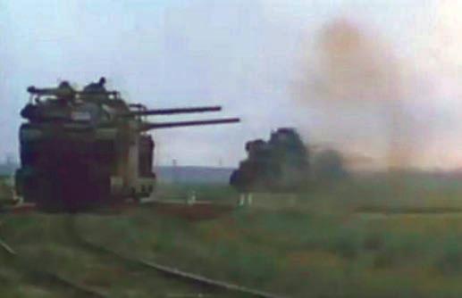 две бронелетучки БТЛ-1 в ходе учений