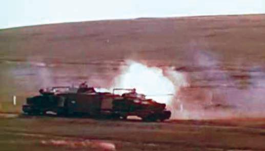 Боевая стрельба бронелетучки БТЛ-1 в ходе учений