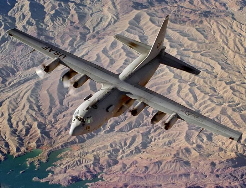 авиация сша, самолет c-130h, транспортная авиация