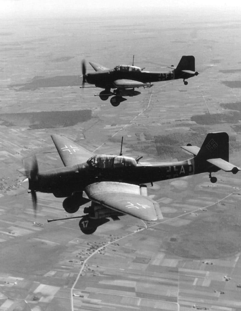 https://naukatehnika.com/files/journal/tehnika-vooruzhenie/aviacia/14.08.21-chernyie-gusaryi-lyuftvaffe-ch-2/Junkers-Ju87-G-2-T6-AD-SG2-1944-BK-3-7.jpg