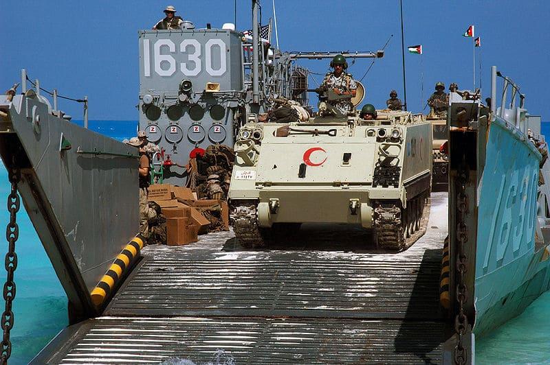 Египетский M113, десантный корабль, бронетехника