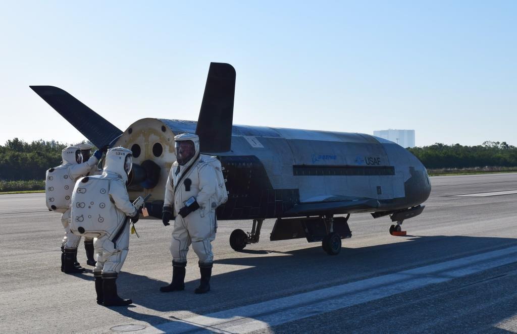 ris 1 Орбитальный самолёт ВВС США научился перевозить грузы