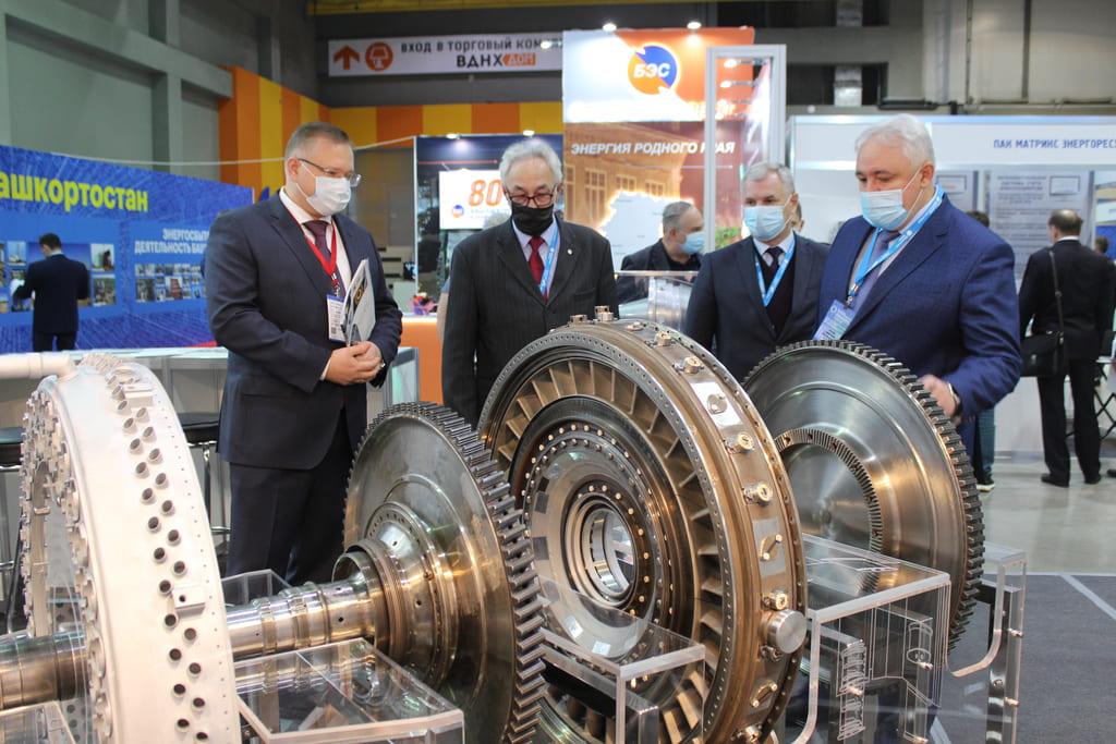 ОДК представила узлы перспективного наземного двигателя на Российском энергетическом форуме